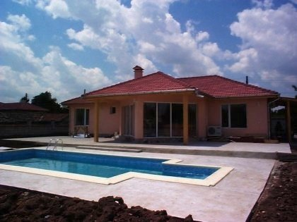 House for sale near Varna, house near resort, Varna holiday resort, holiday resort, property near resort, buy property in resort, bulgarian property, property near bourgas, property Varna, holiday house near sea