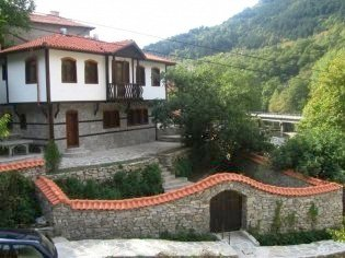 wonderful old-fashioned traditional style house in Plovdiv region