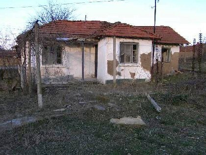 Old house needs repairing in Elhovo region