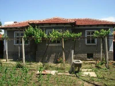 Bye property in Bulgaria in Plovdiv region- one storey built-up building