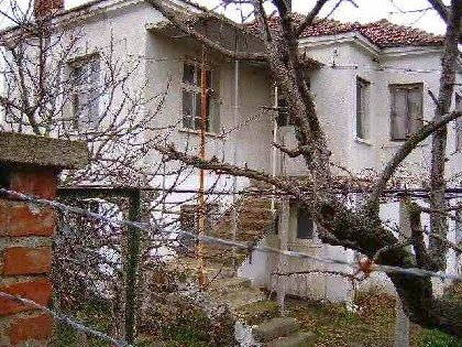 Two storey property located in the outskirts of village near Yambol and 60km away from Burgas,Property in bulgaria, House in bulgaria , House for sale near Yambol, buy rural property, rural house, rural Bulgarian house, bulgarian property, rural property, buy property near Elhovo, Yambol property
