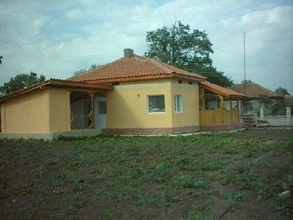 One storey lovely property in Varna region,House for sale near Varna, house near resort, Varna holiday resort, holiday resort, property near resort, buy property in resort, bulgarian property, property near Varna, property Varna, holiday house near sea